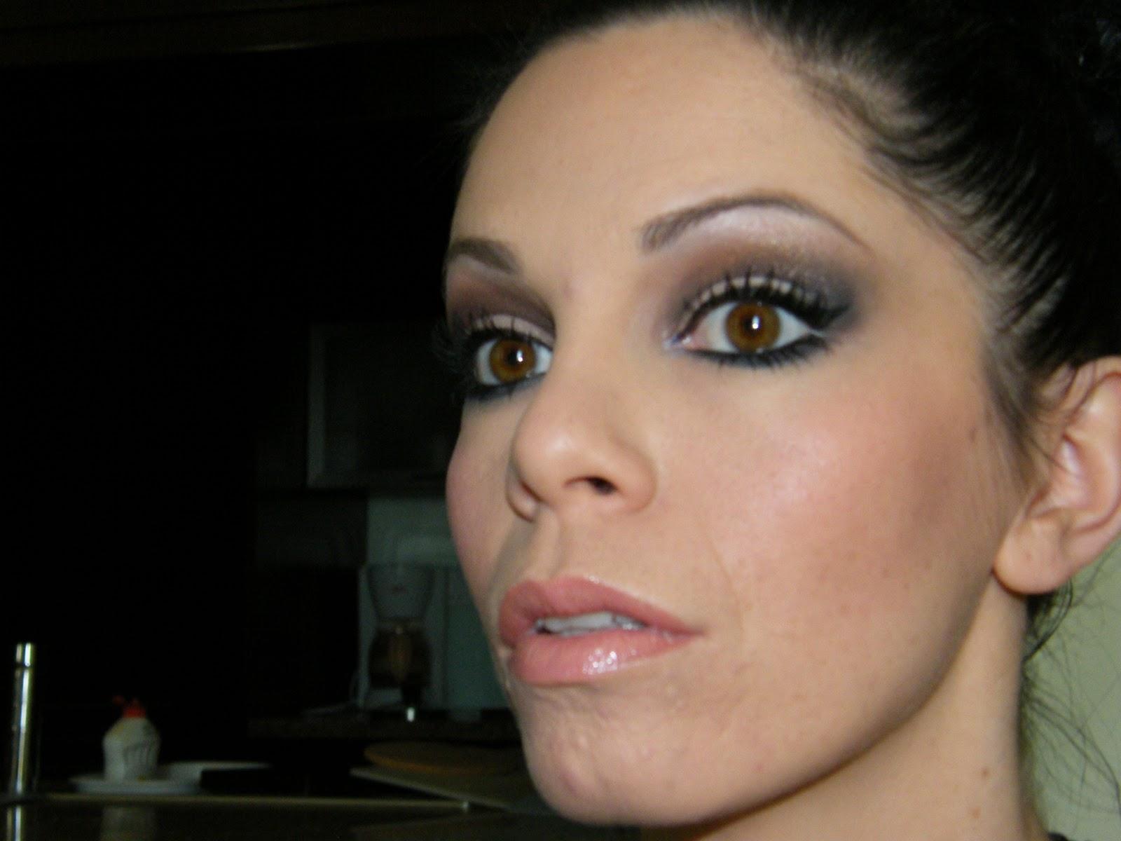 Maquillage de femme fatale et glamour pour la Saint Valentin Cola's Hood